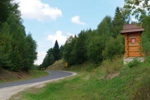 Przełęcz Przysłopce - z powrotem wita gmina Komańcza.